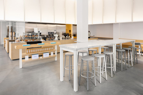 Blue Bottle Sutter Street Cafe - BLOCCO chair, BLOCCO stool